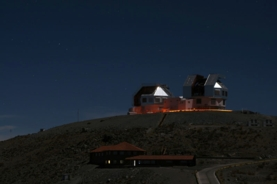 The Magellan Telescopes at Las Campanas Observatory in Chile targeted stars in the Segue 1 dwarf galaxy for between 6 and 15 hours each to measure their metal content.  Wikimedia Commons/Krzysztof Ulaczyk