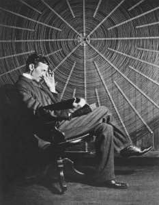 Nikola Tesla with his coil in 1896. Credits: Electrical Review